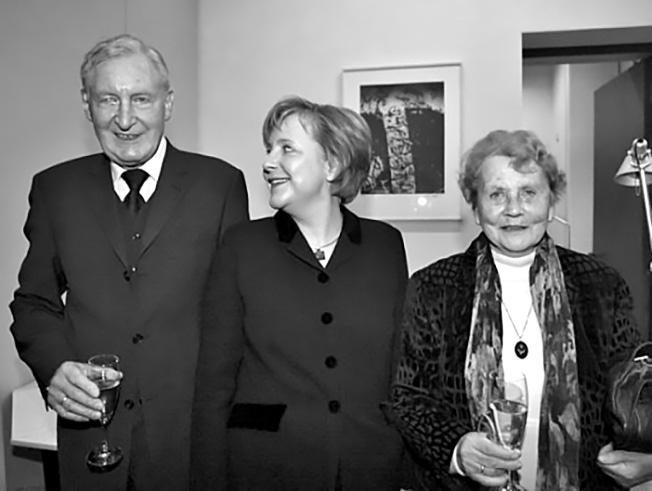Ангела Меркель со своими родителями.