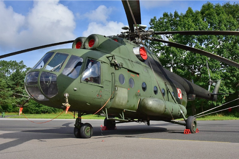 Выставка вооружения польской армии напоминает музей советских вооруженных сил эпохи Леонида Ильича Брежнева.