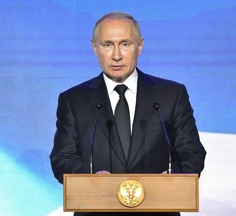 Президент Путин объявил о моратории на развертывание ракет средней дальности.