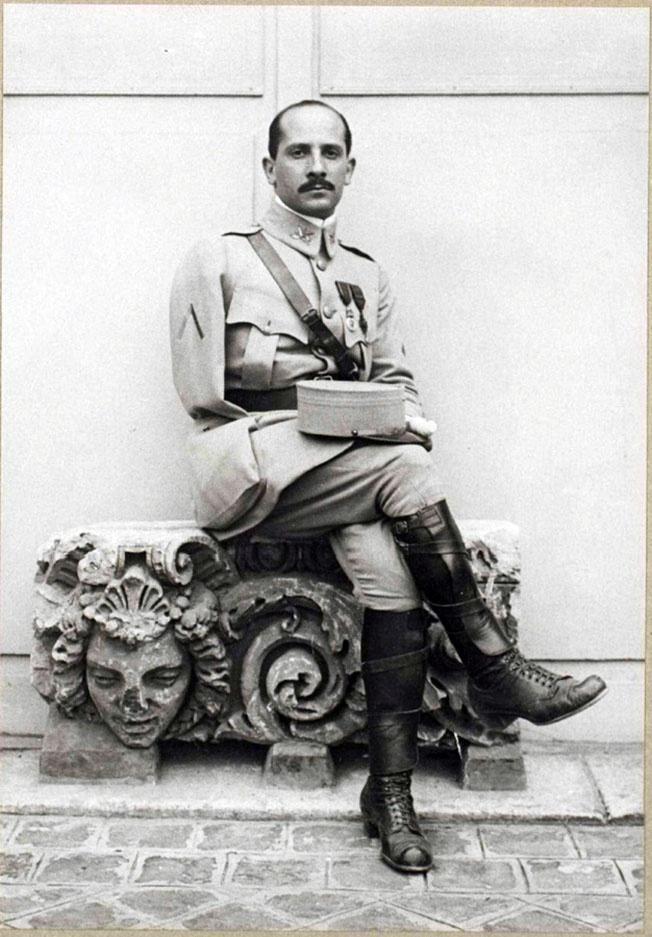 Зиновий Пешков в 1916 году.
