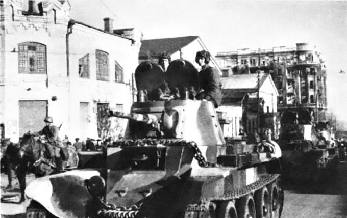 Красная армия перешла советско-польскую границу.