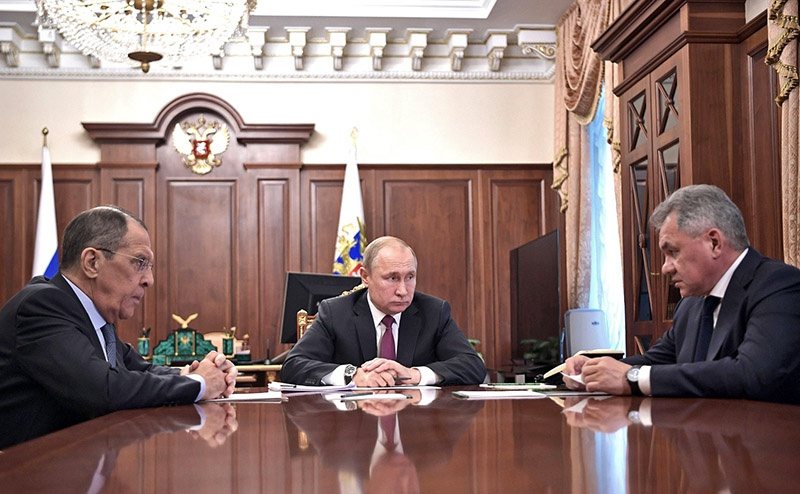 Встреча президента Владимира Путина с министром обороны Сергеем Шойгу и министром иностранных дел Сергеем Лавровым.