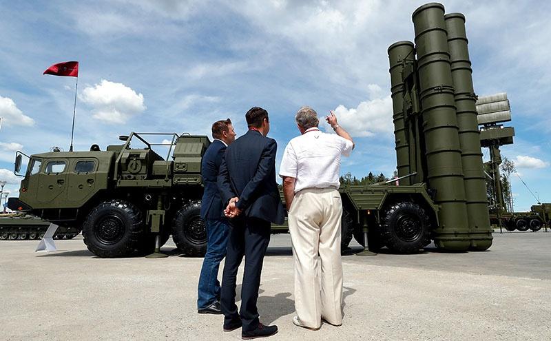 Впервые комплекс С-400 перешагнул российские границы весной 2018 г.