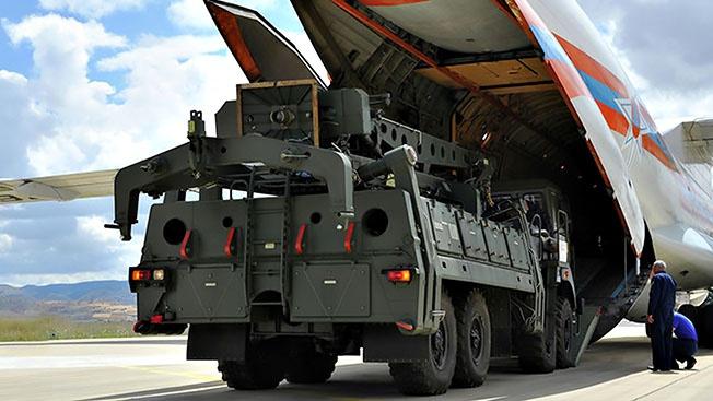 Выход российской новейшей системы ПВО С-400 на турецкий рынок вызвал эффект разорвавшейся бомбы.