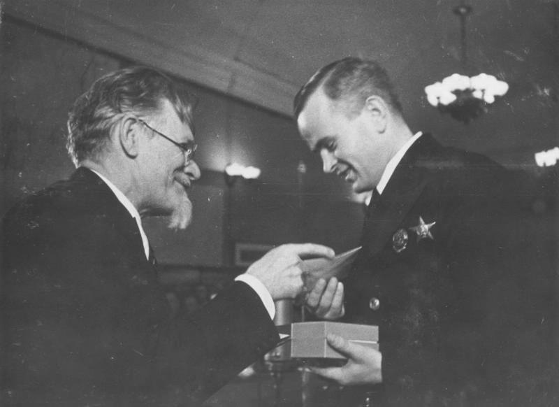 Вплоть до 1941 года орден вручался довольно редко, поскольку после окончания Гражданской войны Советский Союз официально войн не вёл.