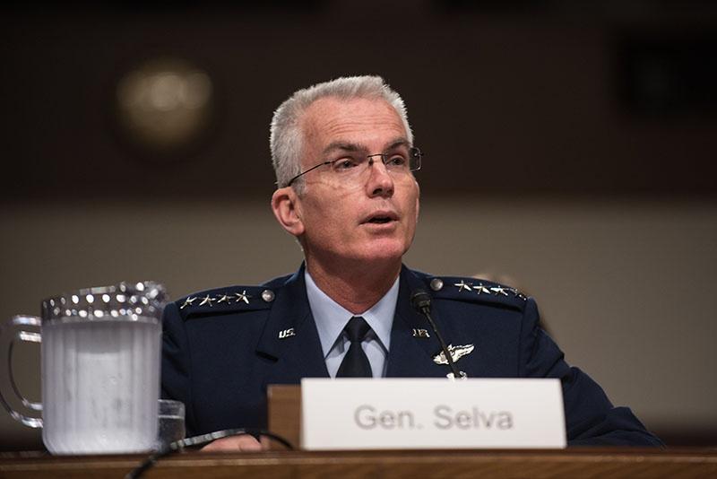 США генерал Пол Сельва считает, что решить эту проблему можно удешевив широкополосную спутниковую связь на НОО благодаря миниатюризации спутников.