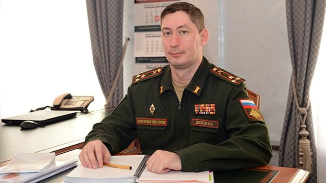 Начальник Управления военно-политической пропаганды и агитации ГВПУ Вооружённых сил РФ полковник Михаил Досугов.