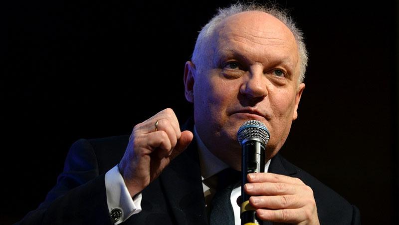 Первым о нацистских корнях Евросоюза заговорил французский политик, глава правой партии Народный Республиканский Союз (UPR) Франсуа Асселино.
