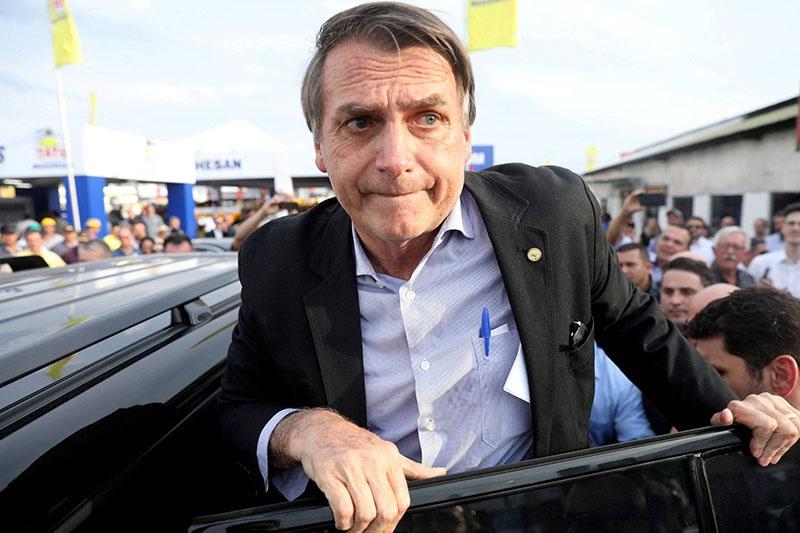 Президент Бразилии Болсонару увидел в победе левых в Аргентине угрозу и своему правлению.