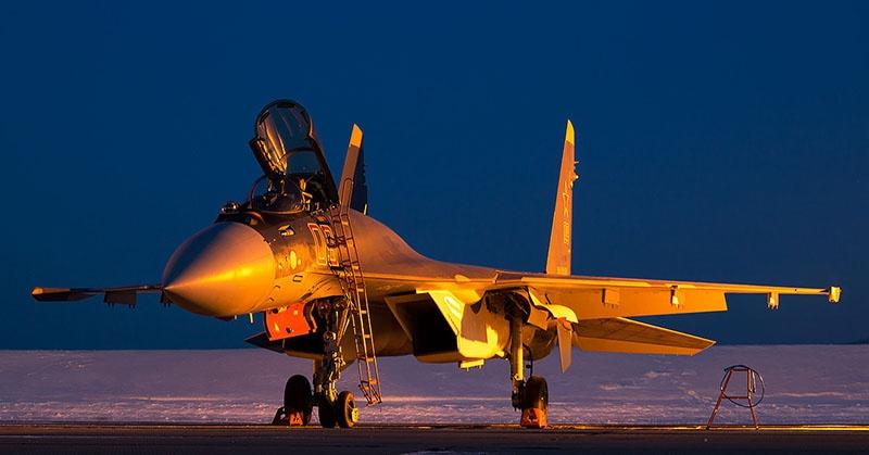 Су-35 покорил авиакосмические салоны в Париже, Берлине, китайском Чжухае и Сеуле.