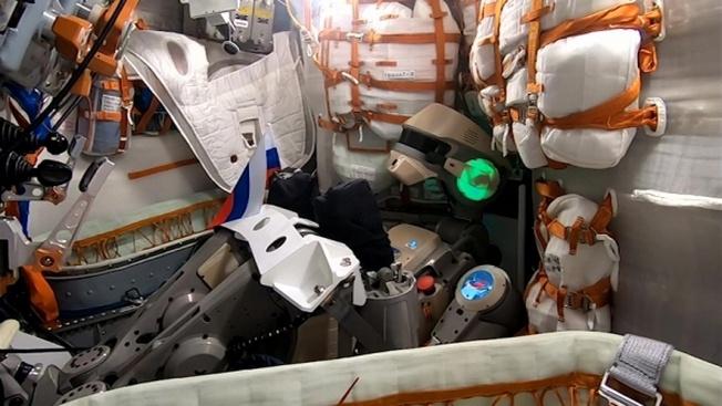 Российские киборги будут нести службу на Луне