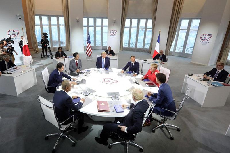 Сегодня обсуждать серьёзнейшие мировые проблемы и принимать какие-либо решения без России и Китая - это профанация.