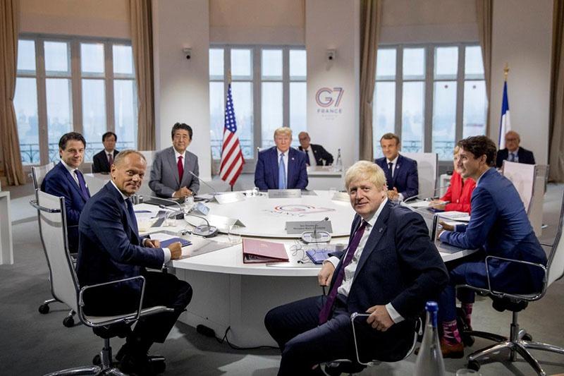 Встреча в Биаррице принципиально отличается от презентационно-гламурных саммитов времён позднего Барака Обамы.