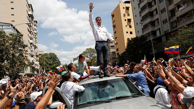 Самопровозглашённый временный «президент» Хуан Гуайдо, которого под давлением Белого дома признали около 50 стран мира.