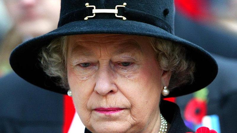 Елизавета II - внучатая племянница убиенного российского императора Николая II.