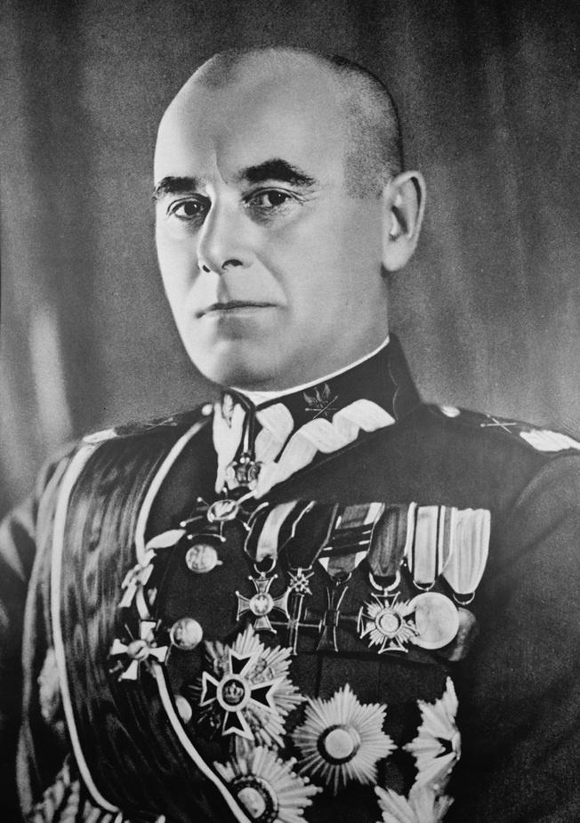 Маршал Эдвард Рыдз-Смиглы.Во время беседы с ним Герман Геринг заявил, что «опасность представляет не только большевизм, но и Россия как таковая, независимо от того, существует ли в ней монархический, либеральный или другой какой-нибудь строй».
