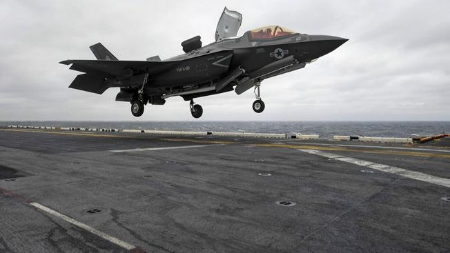 Американским авианосцам в случае конфликта придётся поднимать в воздух свои ударные самолёты как минимум за 2 тыс. км от китайских берегов.