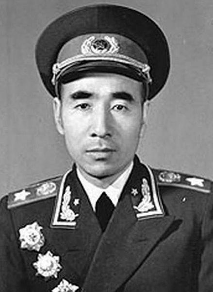 Министр обороны КНР маршал Линь Бяо.