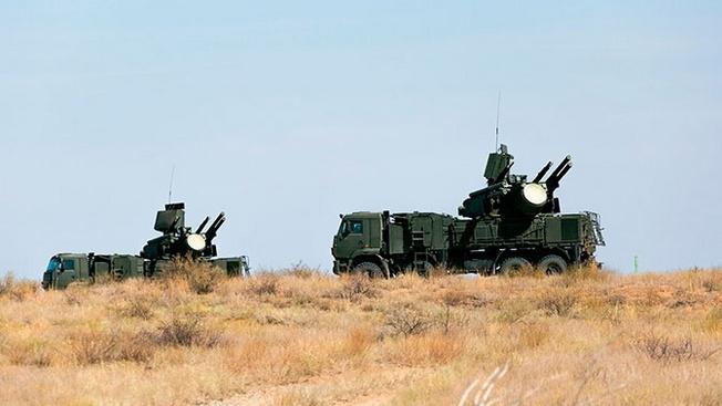 Российские ЗРПК «Панцирь-С», переброшенные из Новосибирской области, прикрывают ракетчиков в Казахстане на учениях «Центр 2019».