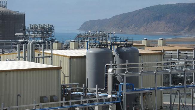 Собственно, из-за СПГ и разыгралась нынешняя газовая война: его поставки в минувшем году его оставили в целом 71,8 млрд куб. м.