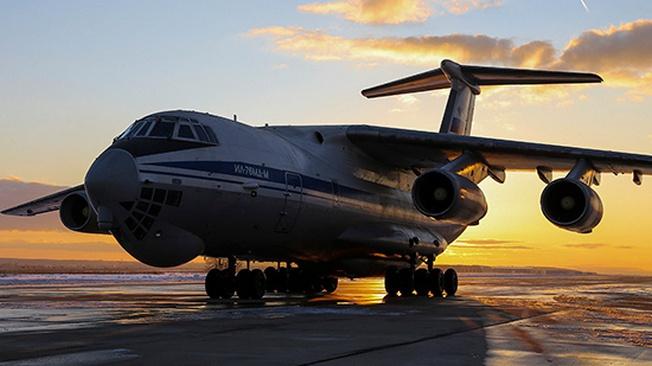 Серийный модернизированный военно-транспортный самолёт Ил-76МД-М.