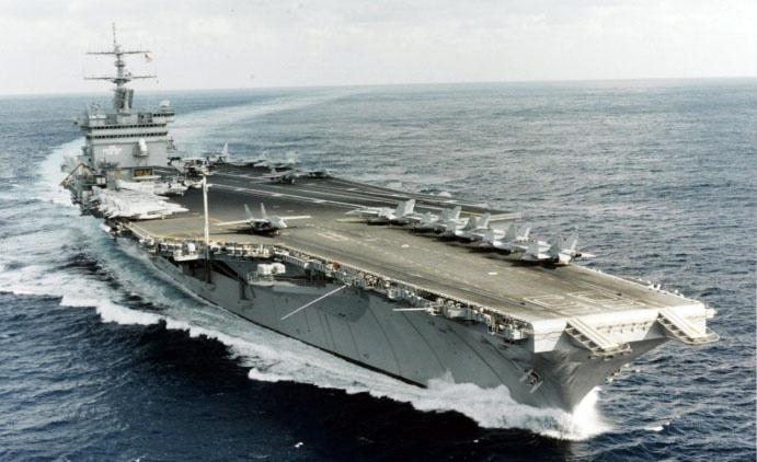 Авианосец «Энтерпрайз» мог только грозить советским морякам.