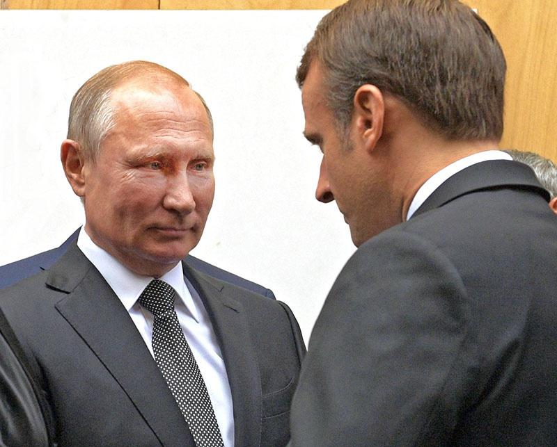 Как отнесётся Эмманюэль Макрон к возможности построения оси «Москва - Париж»?