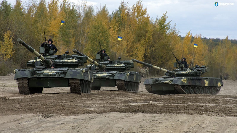 Американцы не уверены, что боевые танки типа Т-84 и Т-80 подходят для конфликта на Украине.