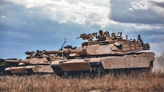 Тяжёлый американский танк, например, может весить более 130 тонн.