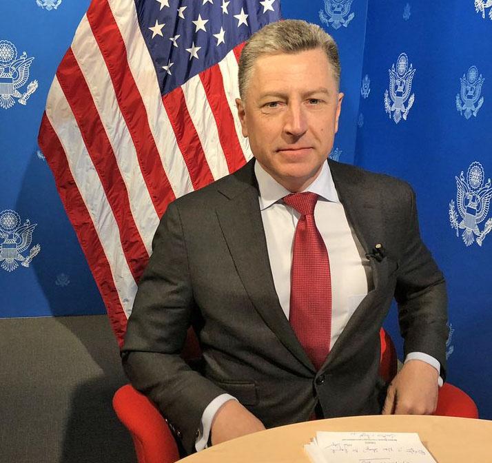 Курт Волкер, рассуждая об украинском неонацизме, заявил, что он «не должен быть в политическом мейнстриме».
