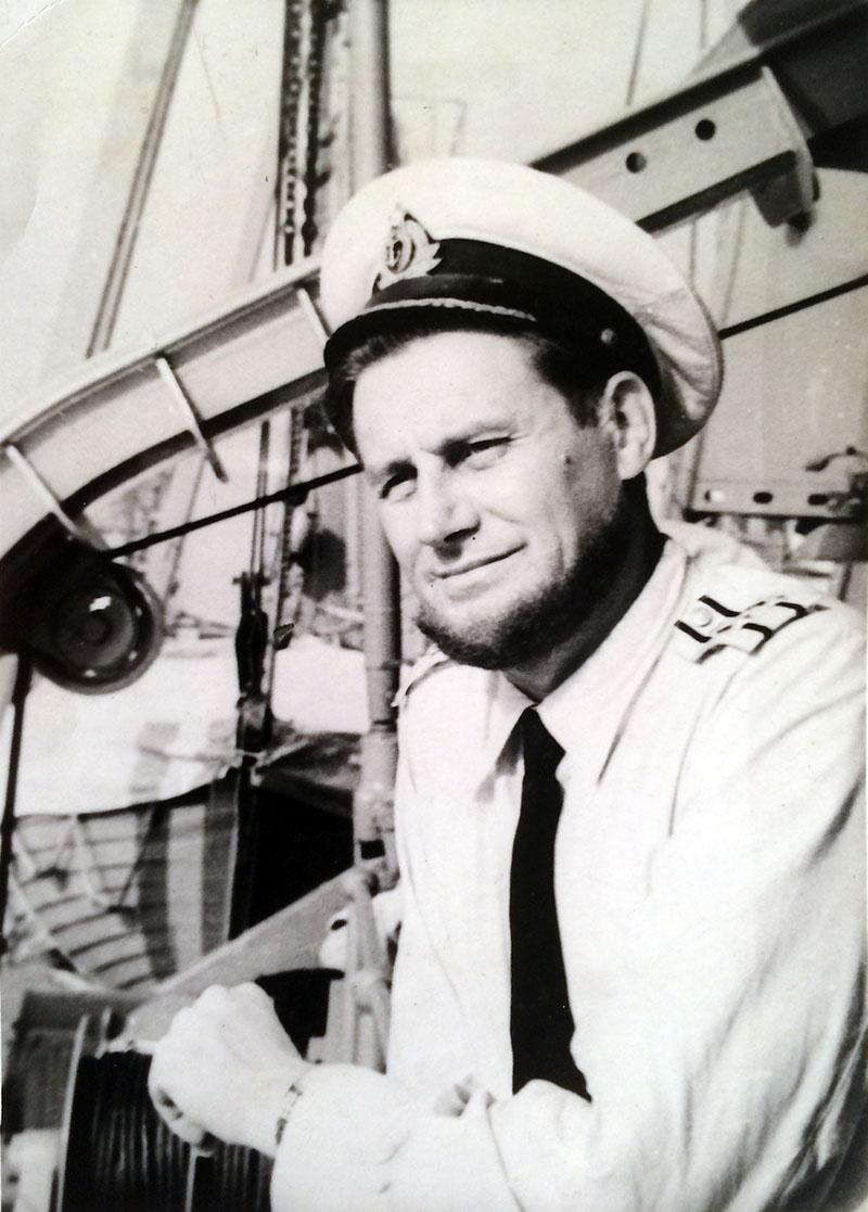 Капитан 1-го ранга Юрий Сенатский.