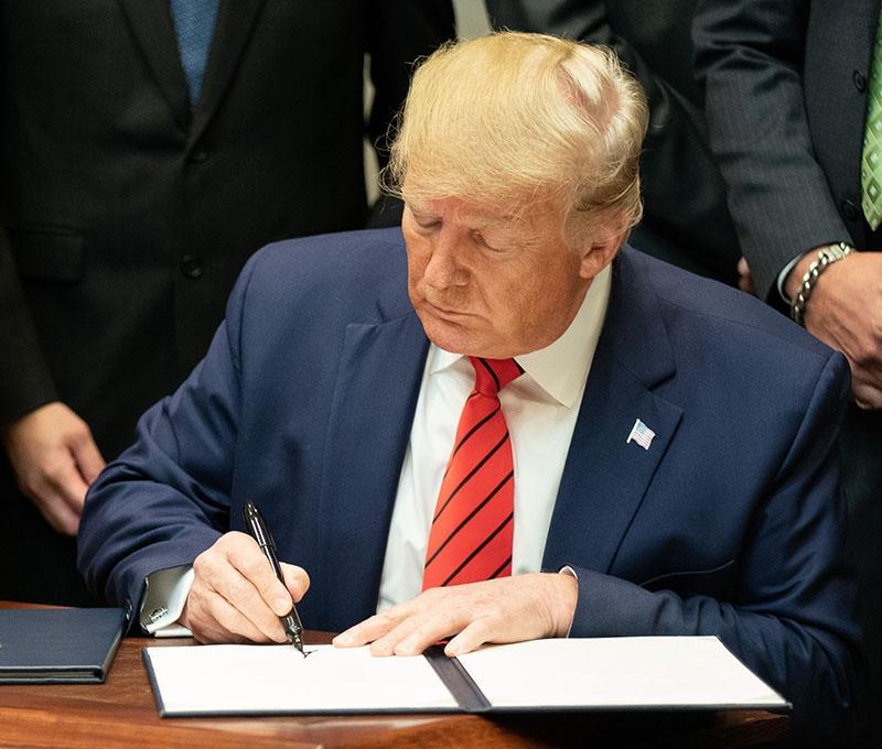 Трамп согласился разблокировать выделенные на перевооружение украинской армии из американского бюджета средства.
