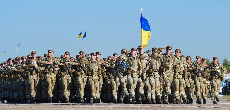 НАТО готово воевать с Россией до последнего украинца.