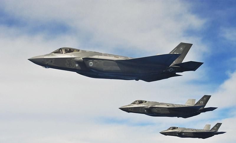 США заставляют своих союзников покупать свои истребитеди F-35.