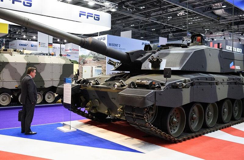 Модернизированный танк Challenger 2 на DSEI 2019.