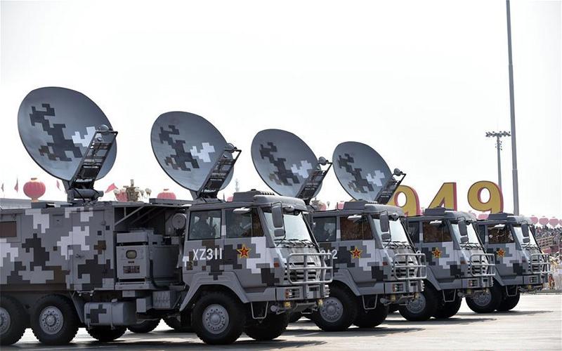 Радиолокационные станции на параде.