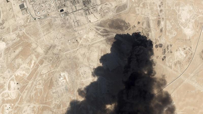 Атака на нефтяные заводы Saudi Aramco в Саудовской Аравии.