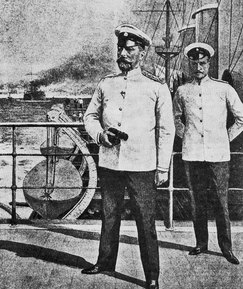 Адмирал Рожественский на броненосце «Князь Суворов».