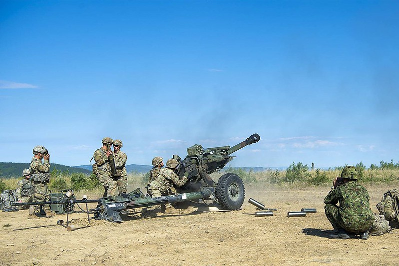 Законодатели согласились выделить средства на закупку на закупки ракет и боеприпасов для артиллерии и стрелкового оружия.