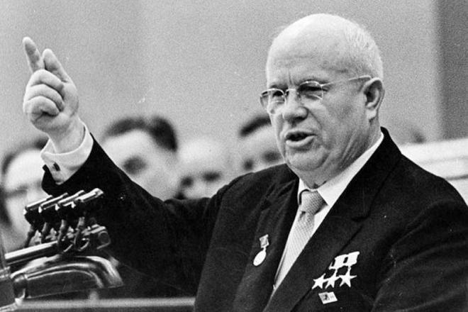 Хрущёвское решение отдать Крым Украине находилось строго в русле политики, заложенной уже первыми шагами большевиков и их хозяев.