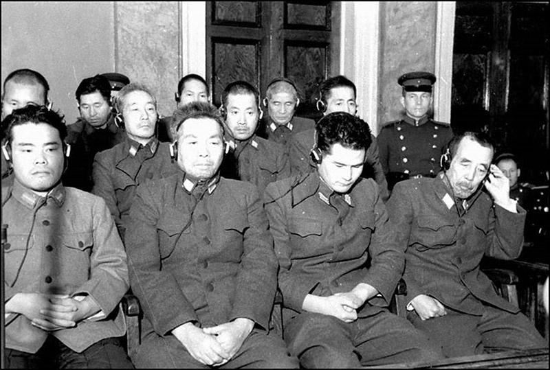 Судебный процесс по делу бывших военнослужащих японской армии, обвиняемых в подготовке и применении бактериологического оружия.