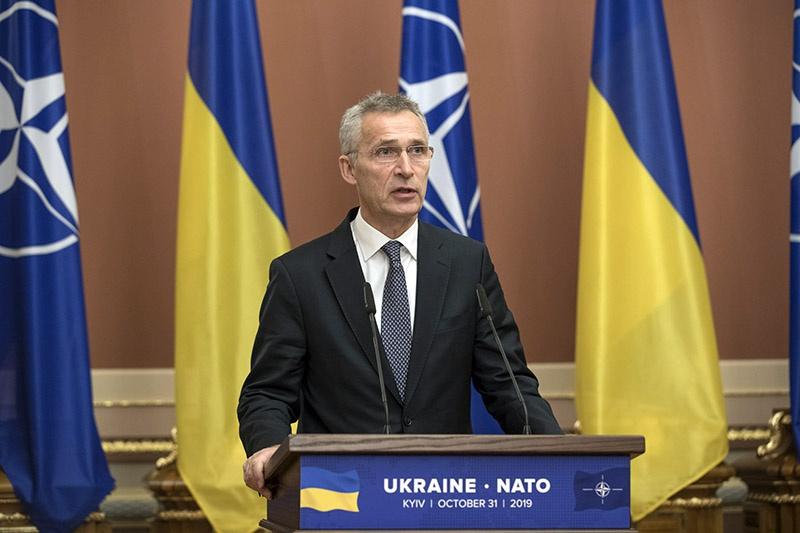 Генсек НАТО Йенс Столтенберг на словах обещает, но это ничего не значит, во всяком случае, для Украины.