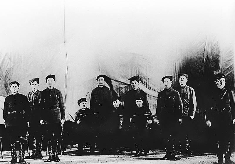 Первый концерт ансамбля в Центральном доме Красной Армии 12 октября 1928 года.