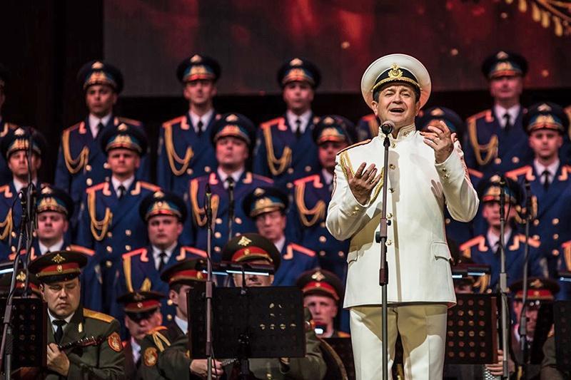 Александра Пахмутова к 85-летию ансамбля специально написала песню для нашего коллектива. Она так и называется - «Александровская песня».