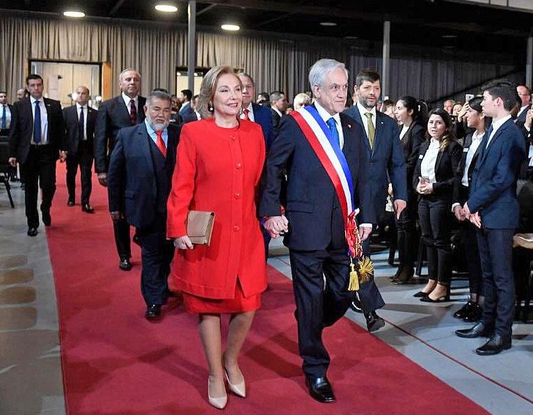 Президент Чили Пиньера - крупный предприниматель и местный олигарх.