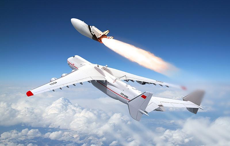 Орбитальный самолёт из проекта «МАКС».