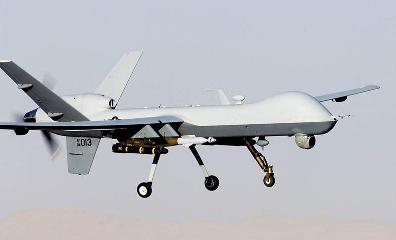 Ударный БЛА MQ-9 Reaper, способный нести до 1.700 кг бомб и ракет на расстояние почти 6.000 км.