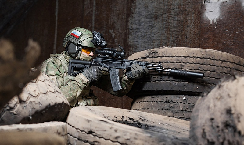 АК-12 достаточно унифицирован, чтобы любой человек, знакомый с устройством автомата Калашникова, мог свободно пользоваться новинкой.