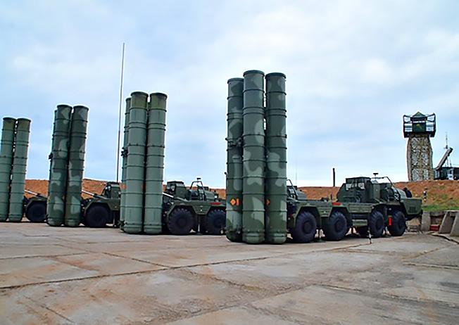 «В Крыму развёрнуты системы ПВО С-400 и комплекс береговой обороны