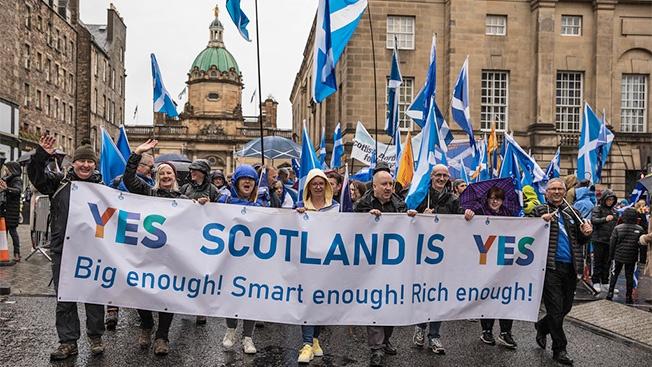 Шотландия требует «развод».